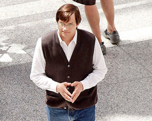 Asthon Kutcher as Steve Jobs in Jobs movie